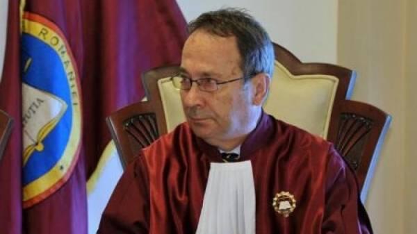 Rabia pe masa Curții Contituționale